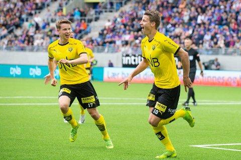Helt: Thomas Lehne Olsen scoret de to første målene da et tapstippet LSK ydmyket Vålerenga på deres eget kunstgress.