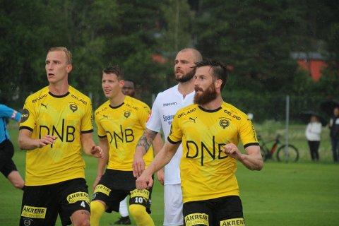 BEST FORAN MÅL: Selv om det bare ble en scoring, var Lillestrøm langt farligere foran mål enn Stabæk i lørdagens treningskamp. Her er målscorer Alekander Melgalvis flankert av Vadim Demidov, Thomas Lehne Olsen (assist på målet) og Tobias Salquist.