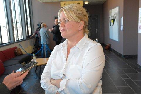 REKONSTRUKSJON: Tirsdag fikk retten vist en rekonstruksjon fra eiendommen i Veldre. Aktor Iris Storås mener den ikke bringe noe nytt til saken.