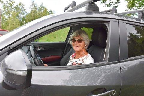 SPREK: Helene Dorthea Mørkved (76) er en sprek dame og bruker bilen hver dag til diverse gjøremål.
