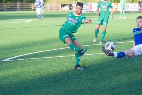 STORTAP: I vårsesongens siste kamp ble det 0-6-tap mot Løten for Valentin Blaka og Furnes.