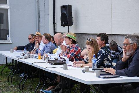 DEBATT: Politikerne i Ringsaker var fredag samlet til debatt i Brumunddal.