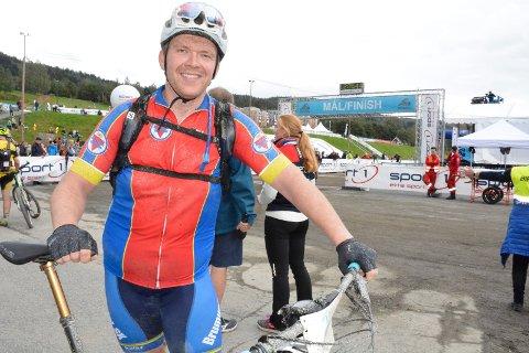 La om livstilen: Tommy Linnerud fra Brumunddal startet med sykling for to år siden og har redusert vekta med 50 kilo.