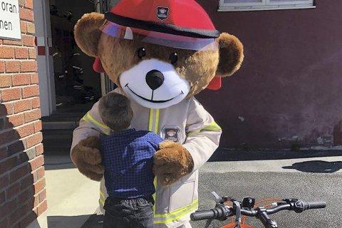 Åpen dag: er det på brannstasjonene i Moelv, Brumunddal, Mesnali og Nes lørdag klokka 11 – 14.