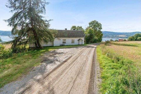 SELGES: Borgen forsamlingslokale på Ring er nå lagt ut for salg til 950.000 kroner.