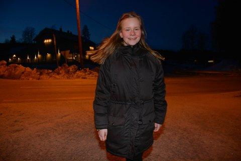 Jobbsøker: Tine Åsheim-Aspeslåen fra Næroset har sendt ut søknader for å sjekke om det er mulig for henne å få seg sommerjobb. - Det er mye jeg kan gjøre, forteller hun.