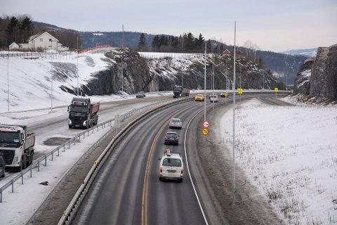 SNART KLAR: E6 ved Bergshøgda skal være ferdig i sommer. Da er det også planlagt bom på Furnesvegen.