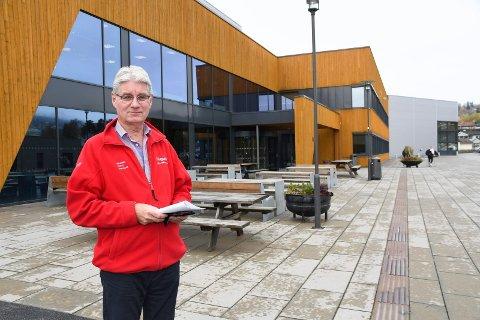 Rektor: Kjell Åge Bjørsrud bekrefter at tre elever ved Ringsaker videregående skole er koronasmittet.