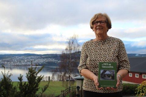 Gir seg: Redaktør Signe Knutsen gir seg etter 15 år som aktiv i Nes og Helgøya historielag.