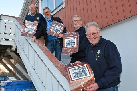 Glade karer: Jan Tørudbakken (foran) Nils Arild Berge, Jørn G. Buraas og Jens Windju skal selge kalendere for hver sin Lions forening. Det er en jobb de trives med.