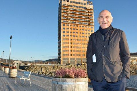 Optimist: Arthur Buchardt er klar for mer bygging. Nå for et seks etasjer kontorbygg ved siden av Mjøstårnet.