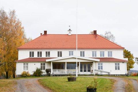 SOLGT: Bjørkhol i Furnes.