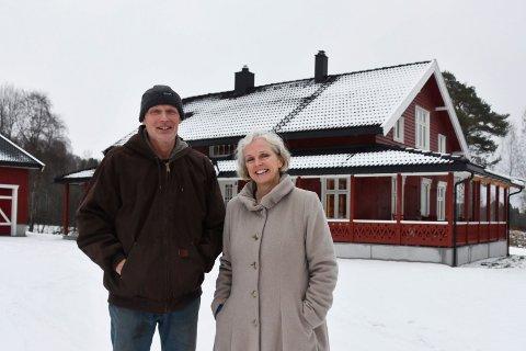 TOTALRENOVERT: Odd Sandberg og Linda Stewart har totalrenovert eneboligen i Kongsvegen på Jessnes.