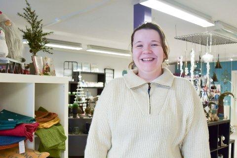 SMILER: Kristin Elinor Lien Røsholdt smiler fordi drømmen har gått i oppfyllelse.