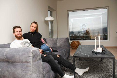 Kan bli flytting: Aleksander Melgalvis er ferdig i Lillestrøm og jakter ny klubb. Både han og samboer Andrèa Holter er åpne for å flytte fra drømmehuset i Brumunddal.