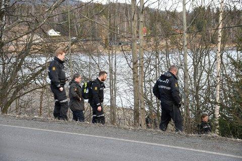 Søk: Stig Aarlien fra Ringsaker lensmannskontor ledet søket ved Framnesbrua.