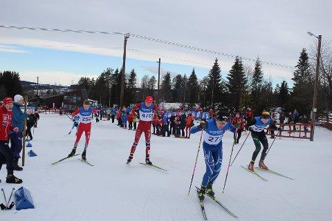 Suksess: Hovedlandsrennet for skiløpere og hoppere i klassene 14 og 15 år møttes til konkurranser i Nybygda og Furnes i vinter. Det ga både sportslig og økonomisk suksess. Her fra sprintløp i klasse G15 år.