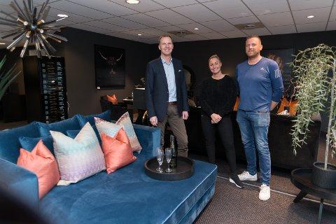 STARTET OPP: I forrige uke starte Tom Theodorsen opp Elegante Rom sammen med Gry Vangen og hennes partner, Thomas Pettersson.