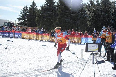 Debut: Jonas Vika fra Mjøsski ble nummer 15 i sin VM-debut under Junior-VM. Men han var bommet litt da han skulle velge ut hvilke ski han skulle gå med. Det ble glattere enn han trodde og det kostet brumunddølen.