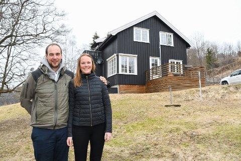 Er blitt brøtning: Tidligere storskytter Ole Magnus Bakken har funnet seg godt til rette på Brøttum. Mye takket være samboer Eline Aasen Traaseth.