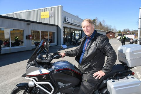 Håper alle tar forholdsregler: 1. mai er det igjen klart for Mjøsa Rundt på motosykkel. Primus motor Per Almestrand oppfordrer deltakerne til å ta forholdsregler med tanke på koronautbruddet.