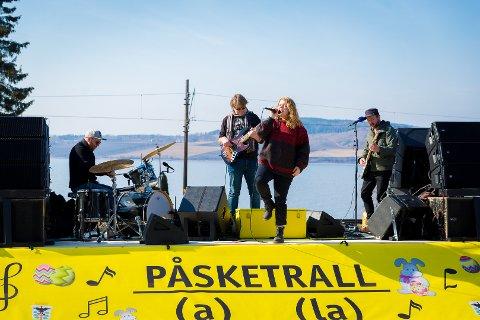 24 KONSERTER: Børre Flyen, Bjørn Thomassen, Johanne Margrethe Kippersund og Ørnulv Brun Snorheim skal spille 24 konserter på henger.