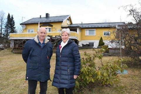 Klare for å selge: Brit Håkonsen Lehne og Ingolf Lehne har brukt lang tid på å bestemme seg. Men nå er valget tatt. Ekteparet i Moelv selger eneboligen og kjøper leilighet i sentrum.