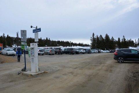 """På Sjusjøen medførte en """"uheldig glipp"""" at gjester fikk en helt annen timepris på parkering enn vanlig."""