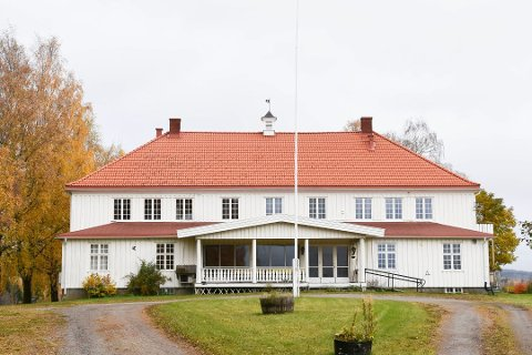 AVSLÅR KJØP: Ringsaker kommune avslår Furnes Veldre musikkforenings forespørsel om å kjøpe Bjørkhol i Furnes.