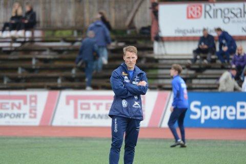 Klare: Trener Vemund Brekke Skar og resten av Brumunddal fotball håper på seriestart i august.