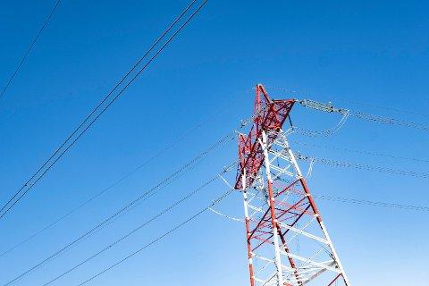 Etter en sommer med rekordbillig strøm stiger nå prisene, men de er lavere enn på samme tid i fjor. Foto: Tor Erik Schrøder (NTB scanpix)