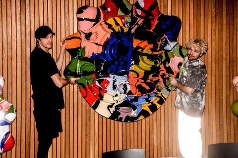 TV-AKTUELLE: Kunstnerduoen Nikolai Gyllenhammar og Jonny Aaseth er aktuelle med egen dokumentarserie.
