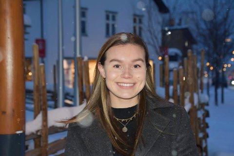 SMILER: Dorthea Mørkved Glorud har god grunn til å smile om dagen. I løpet av noen uker ble to kontrakter underskrevet.