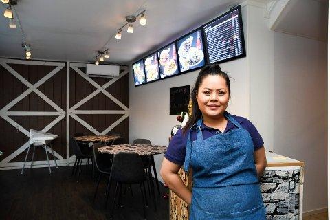 Høye ambisjoner: Roya Poya er medeier i gatekjøkkenet Stars i Moelv. Men den 26-årige tobarnsmora har enda høyere ambisjoner.