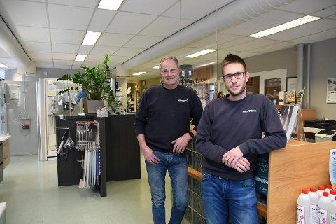 Ny leder: Stian Granseth (t.h.) er ny daglig leder ved Moelv Rørservice. Han erstatter Ottar Ness.