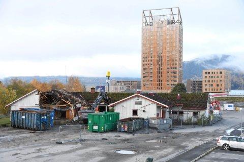 Rives: Brumunddal vegkro var et populært og viktig møtested i nesten 30 år. Nå er det snart bare minnene igjen.