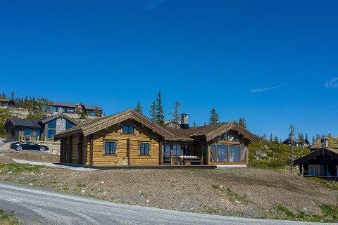 REKORD: Denne hytta til ni millioner satte prisrekord på Sjusjøen.