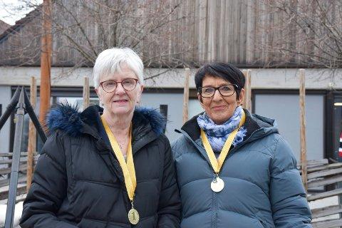 KJENT HVERANDRE I 50 ÅR: Synøve Torve Lien og Torunn Lohte Larsen har kjent hverandre og vært kolleger i Sparebank1 Østlandet i 50 år.