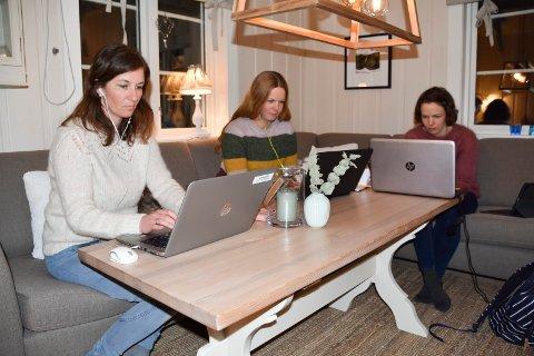 Skoleutredning: Marianne Holm, Sigfrid Lohnbakken og Ann Kristin Baardseth i Åsmarka IL deltok på møtet, mens andre lag og foreninger melder de aldri fikk den aktuelle invitasjonen.