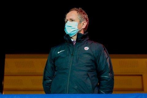 Pål Bjerketvedt, generalsekretær i Norges Fotballforbund, er usikker på om seriestarten kan gå som planlagt.