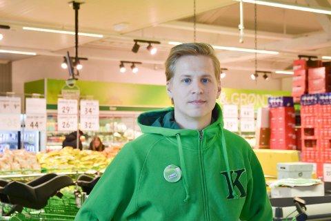 Fornøyd: Butikksjef Trond Engelund ved Kiwi Næroset.