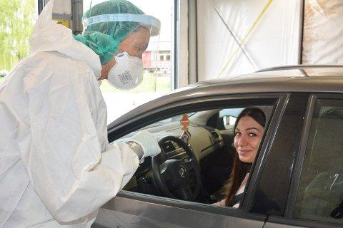 Testing: Nye smittetilfeller oppdages under testing på testasjonen på Ottestad. Dette bildet er fra tidligere i vår og personen på bildet har ikke noe å gjøre med påvist smitte.