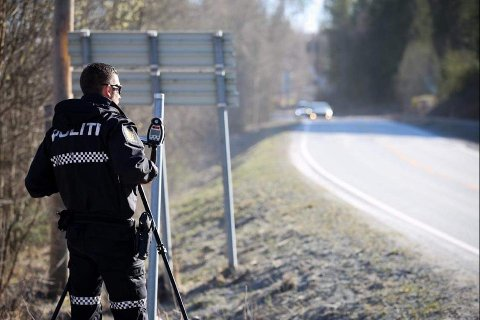 Det tar visst aldri slutt: Fredag ble enda flere stoppet i fartskontoll i Næroset.