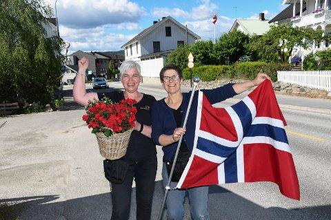 Jubel og glede: Britt Th. Sandal (t.v) og Trine Evensen slapp jubelen løs etter at helseminister Bent Høie gikk for Moelv torsdag formidddag.