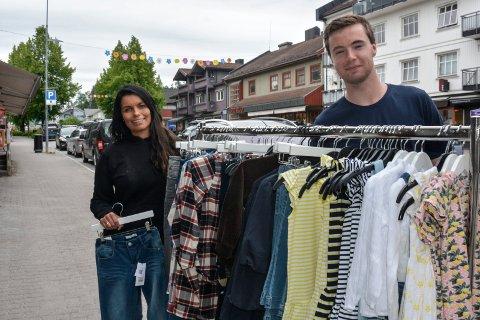 Moelvdager: Janne Hemma og Andreas Eikrem forbereder hver på sitt vis for Moelvdagene som arrangeres som markedsdager i sentrum