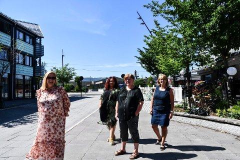 Ser fremover: Nå skal Tone få handelshjelp. (f.v) Tone Alterskjær, Hege Kamperud Brumunddal sentrum, Eli Moen- Nordhougen fra Moelv og Heidi T. Karlsen i Ringsaker kommune.