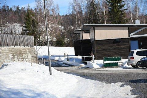 DØMT: Mannen som påførte en annen flere knivstikk på en adresse i Brumunddal for drøyt to år siden, er dømt til 6 års fengsel.