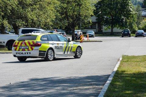 Stoppet bilist: Politiet i Brumunddal onsdag.