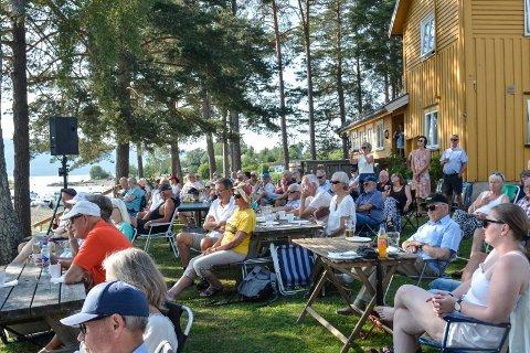 Populært: Publikum finner vegen til Jessnes.