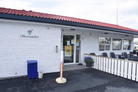 Uløst: Ingen er pågrepet etter innbruddet i Nessundet Kafè for fire uker siden.